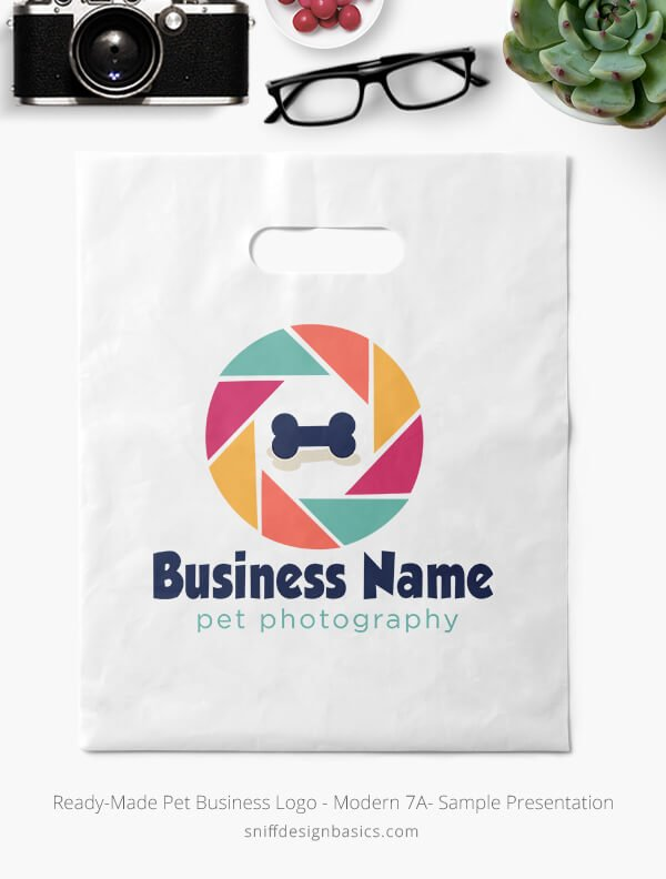 Ready-Made-Pet-Business-Logo-Showcae-Retail-Bag-Modern-7A