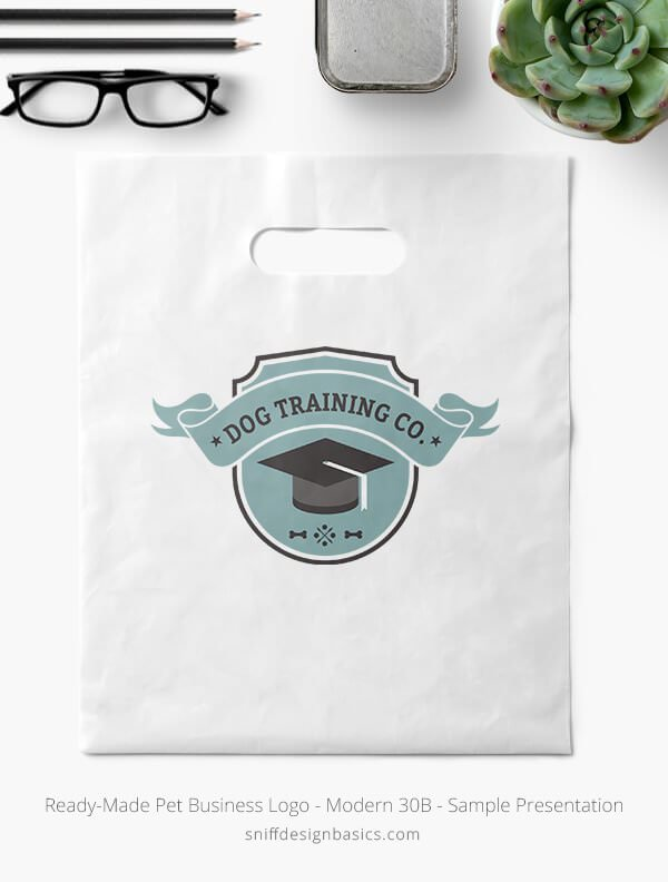 Ready-Made-Pet-Business-Logo-Showcae-Retail-Bag-Modern-30B